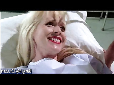Sex Adventures At Doctor Cabinet With Patient vid