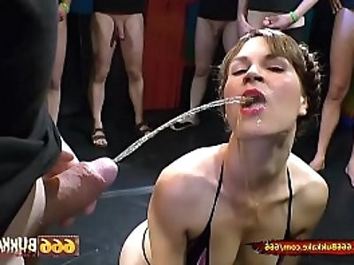 Sex and Piss for Hottie Luisa