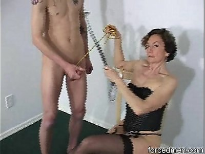 Oldie mistress demands man to masturbate before she sucks his cock