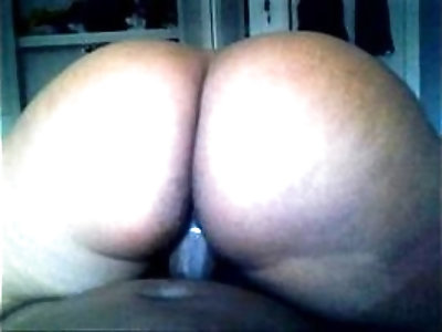 Big booty pussy squirter