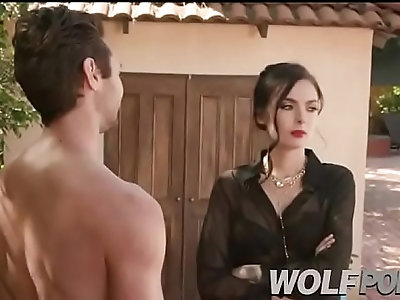 I fucked the housewife a very horny MILF