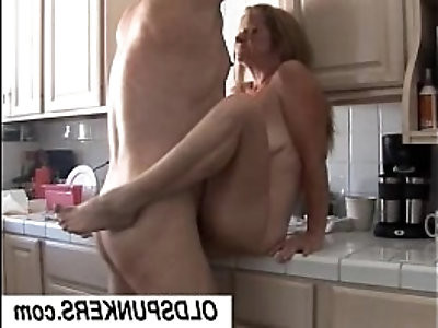 Gorgeous mature babe Tiffany loves fuck