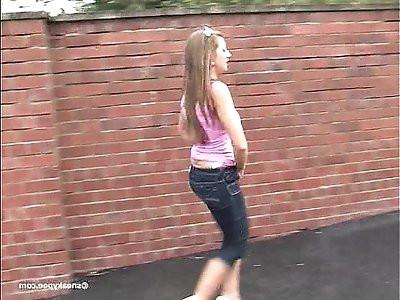 beautiful girls pissing Cate