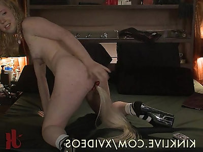 She Loves Anal Play