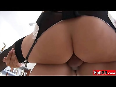 Flexible french gymnast babe looks good in a porn tryout
